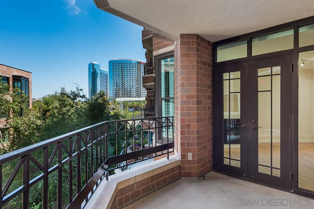 Photo of 500 W Harbor Drive 415