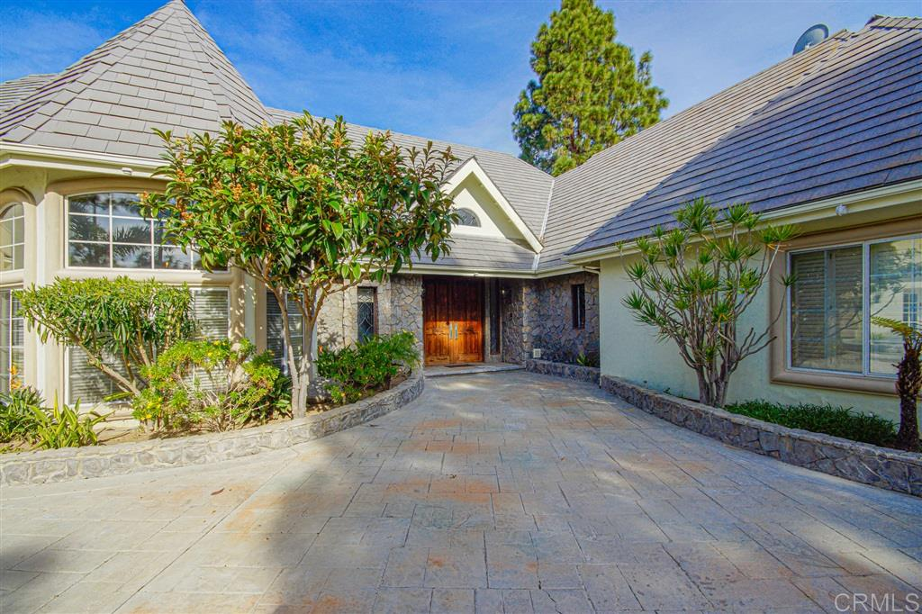 Photo of 4325 Colling Rd E, Bonita, CA 91902