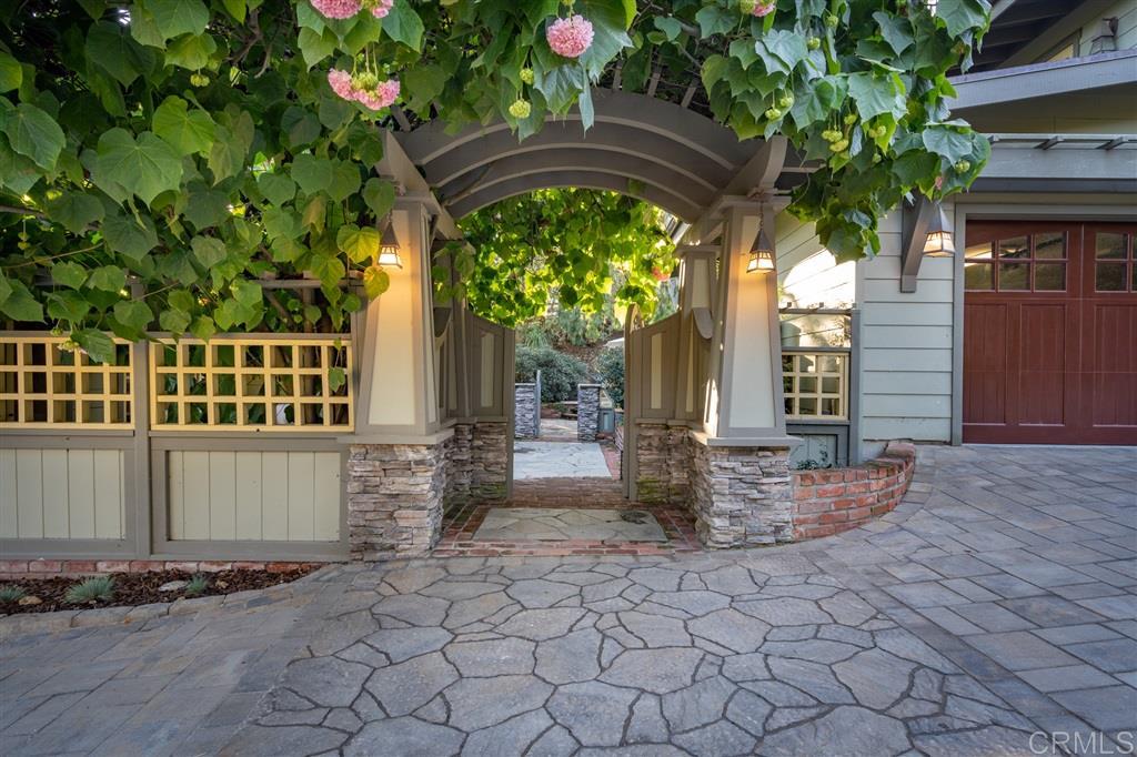 Photo of 4820 Sunny Acres Ln, Del Mar, CA 92014