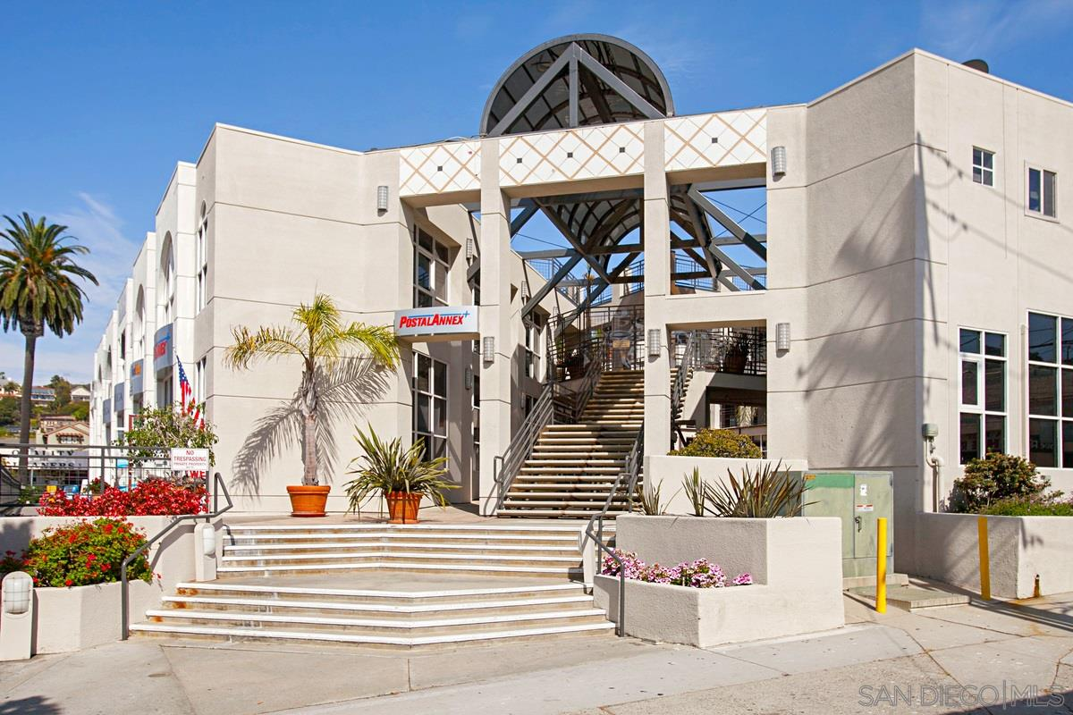 LIVE IN THE VILLAGE! SINGLE level Penthouse. Restaurants, boutiques, movies, museums, grocery store, are all  steps away.   One bedroom, one bath plus  bonus room, office  open, airy, space.  Kitchen has granite counters, stainless appliances, wood cabinetry. Bonus room with sliding mirrored doors can be opened to be part of living area or as guest room. VERY QUIET unit.Two parking spaces. Great price for the Village! Seller willing to pay large portion of HOA fees for several years with accepted offer.