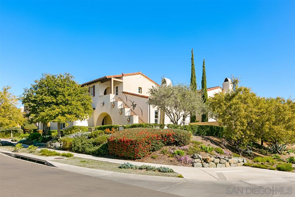 7955 Entrada Lazanja San Diego, CA 92127