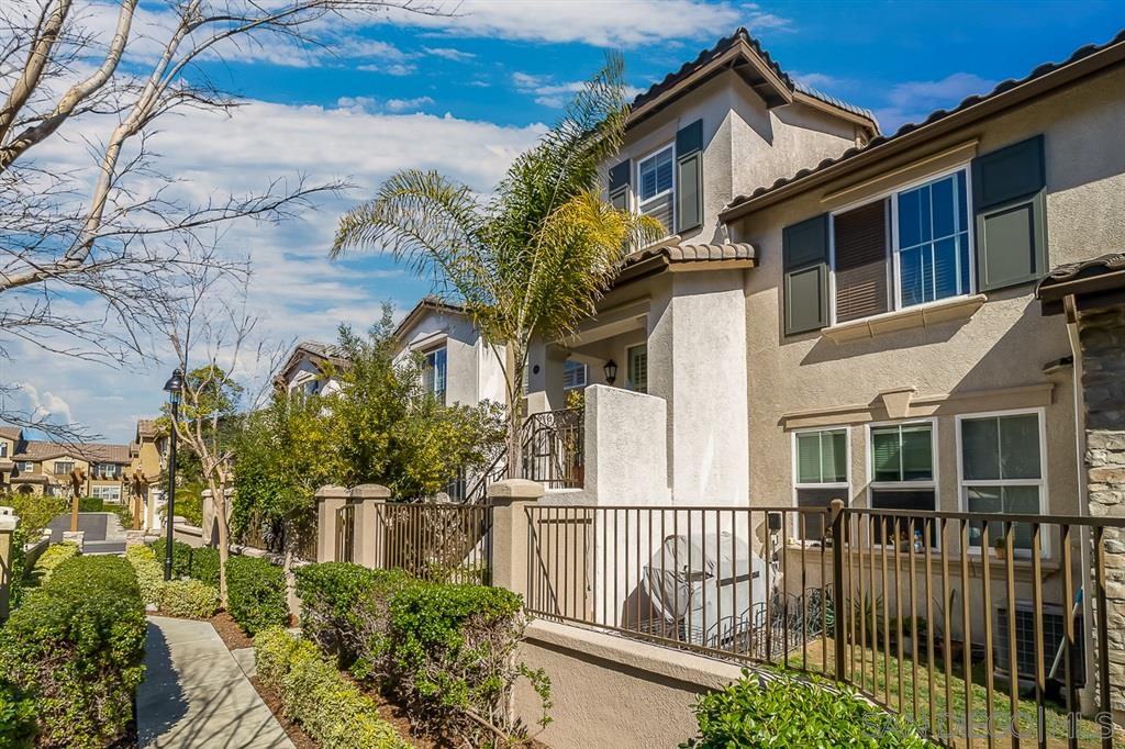 10416 Whitcomb Way San Diego, CA 92127