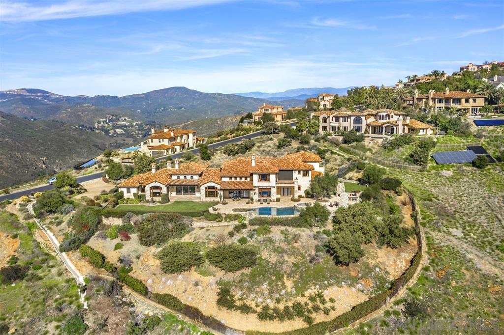 7667 Camino De Arriba, Rancho Santa Fe, CA 92067