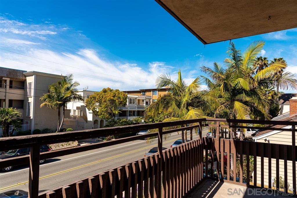 3745 Riviera Dr 5, San Diego, CA 92109