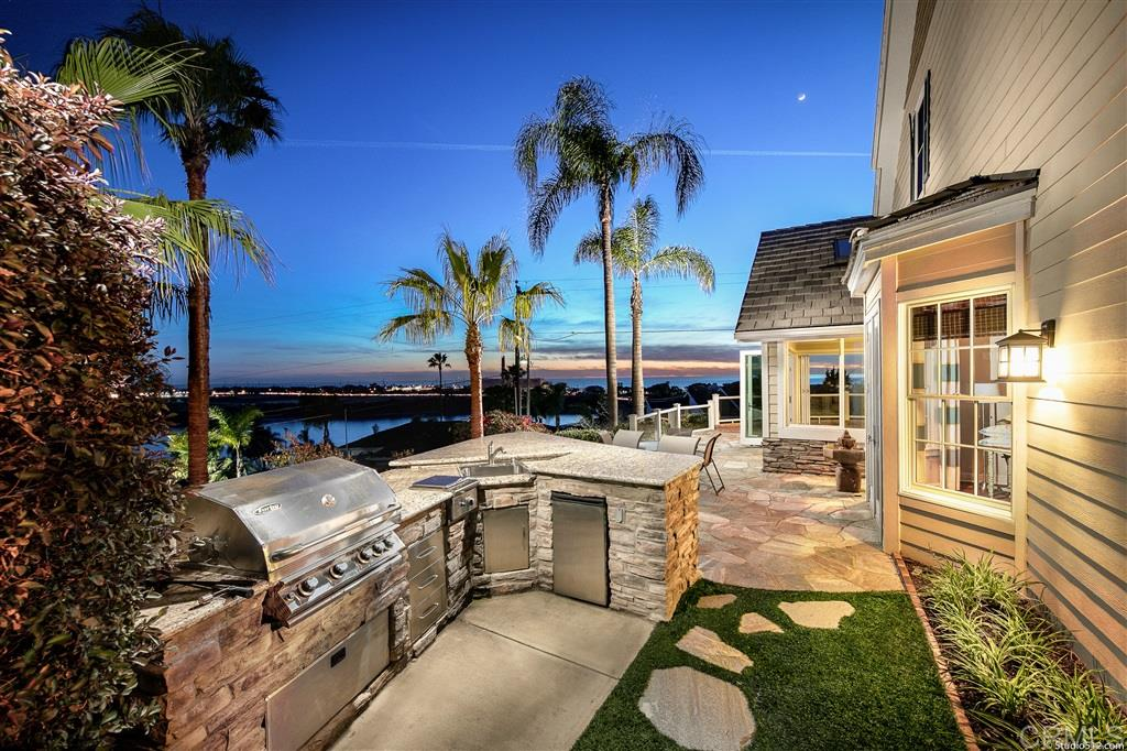 Photo of 4410 Highland Dr, Carlsbad, CA 92008