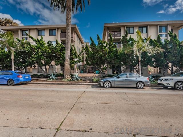 881 Thomas Ave 19, San Diego, CA 92109