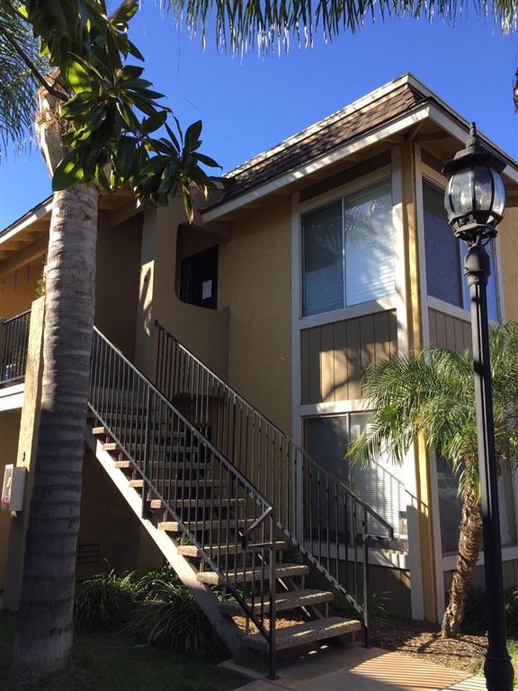 1037 E Washington Ave 4, Escondido, CA 92025