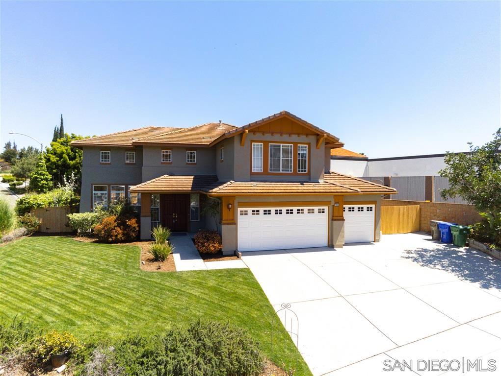 1935 Ivy Rd, Oceanside, CA 92054