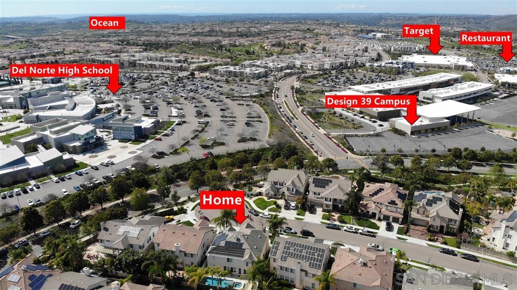 9821 Falcon Bluff St San Diego, CA 92127