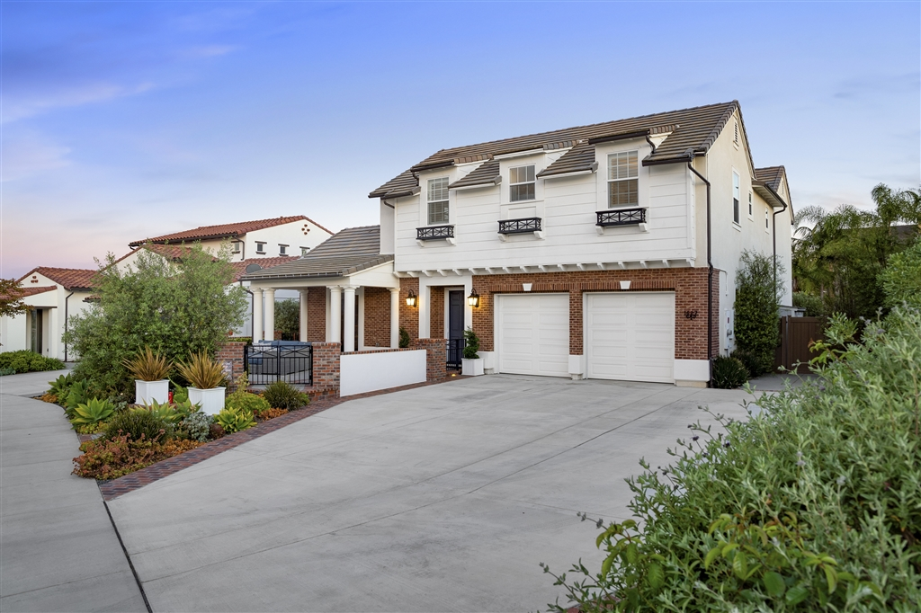 Photo of 1627 New Crest Ct., Carlsbad, CA 92011
