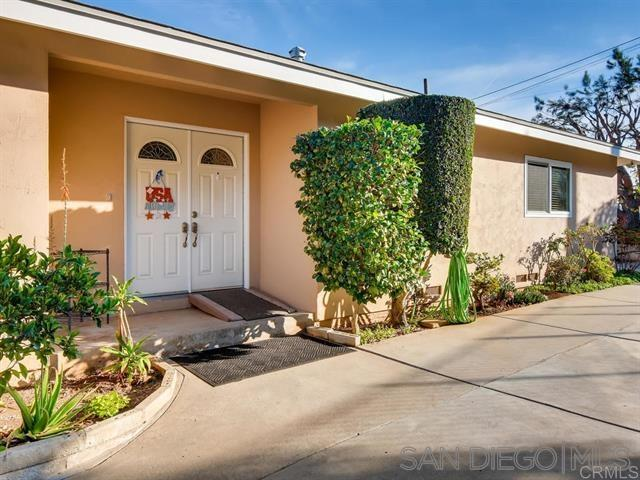 8960 Greenview Pl, Spring Valley, CA 91977