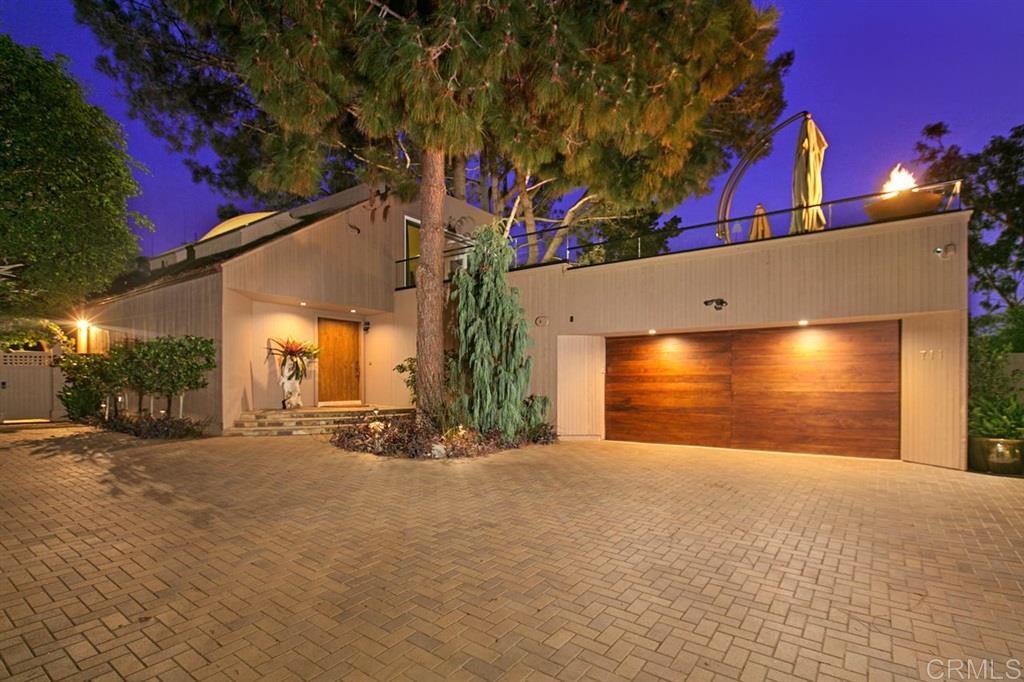 711 Hoska Drive, Del Mar, CA 92014