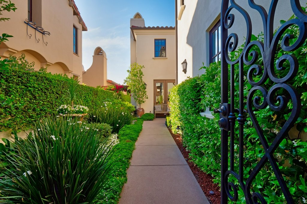 16922 Blue Shadows Rancho Santa Fe, CA 92127