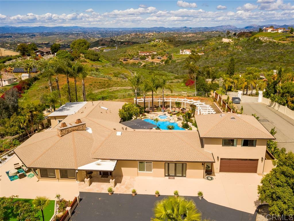 2070 E Elevado Hills Drive, Vista, CA 92084