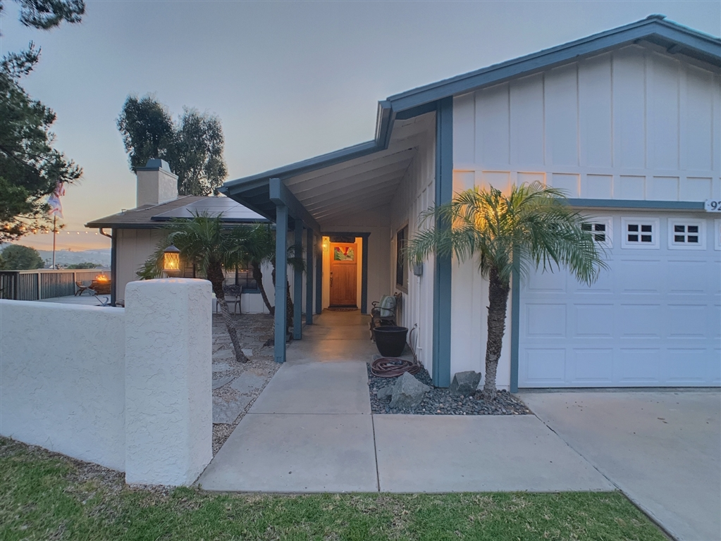 9212 Lakeview Ter, Lakeside, CA 92040