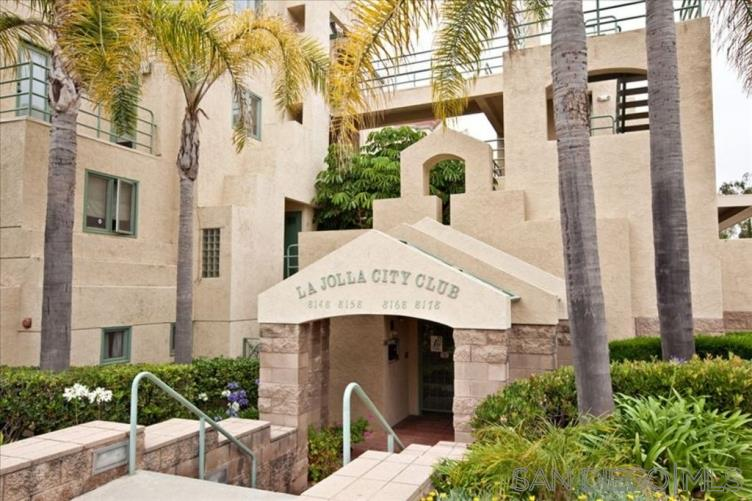 8178 Avenida Navidad San Diego, CA 92122