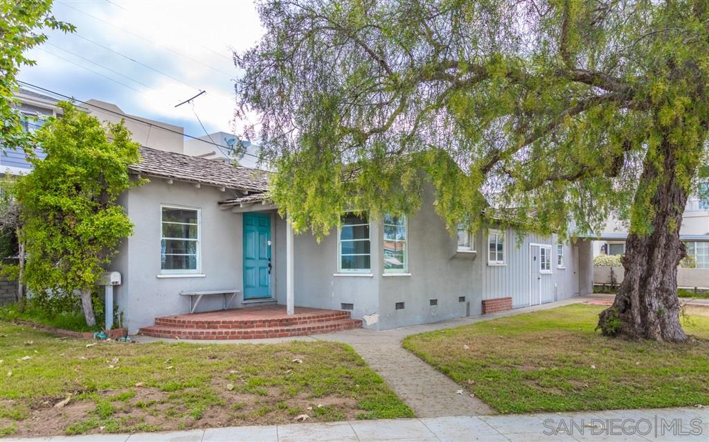 3810 Crown Point, San Diego, CA 92109