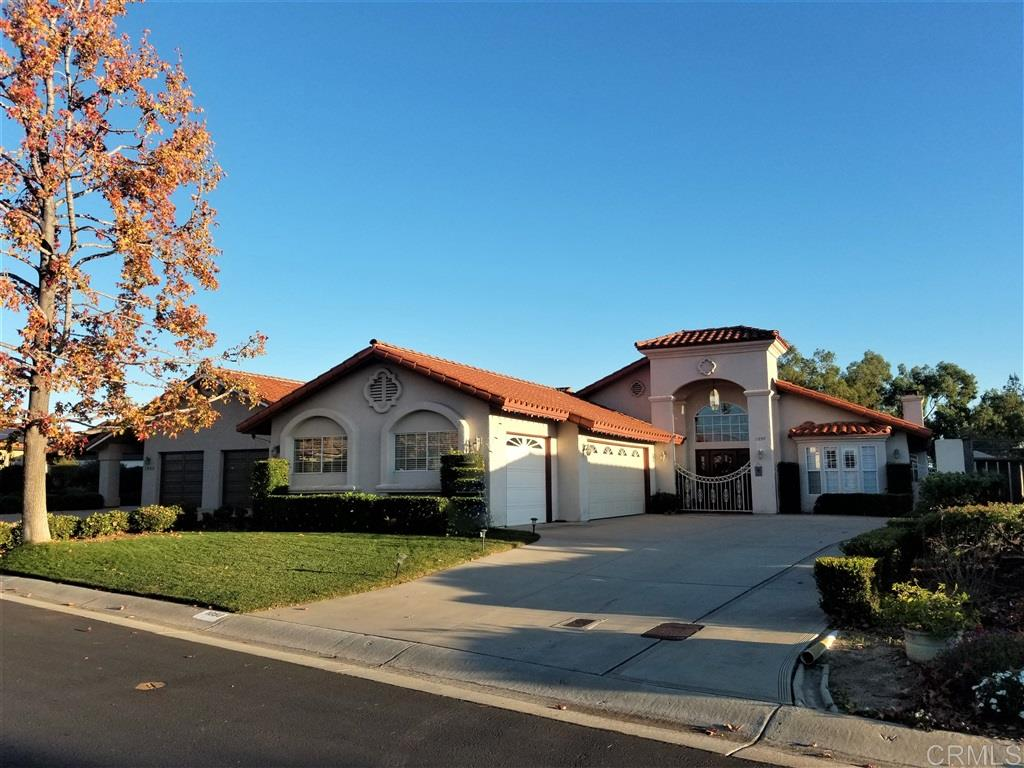 1050 Ridge Heights, FALLBROOK, CA 92028