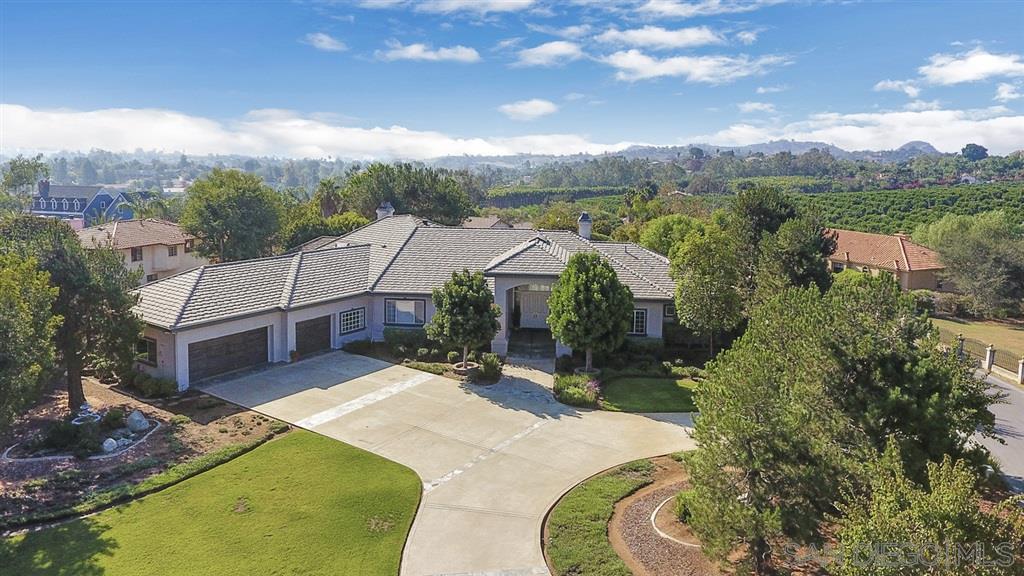 175 Lake Ridge Cir, Fallbrook, CA 92028