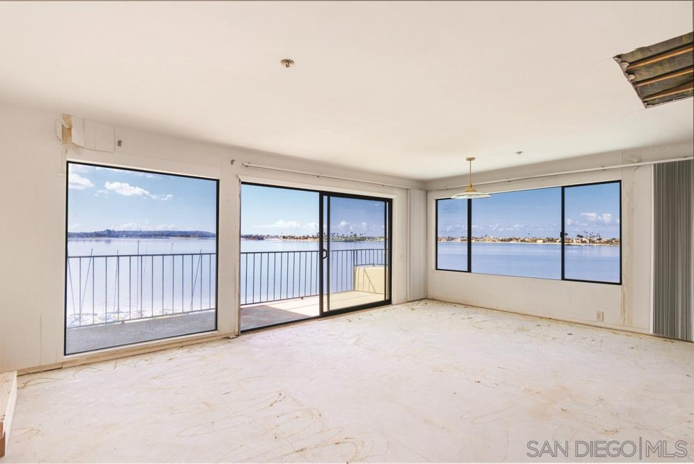1235 Parker Place 3L, Pacific Beach, CA 92109