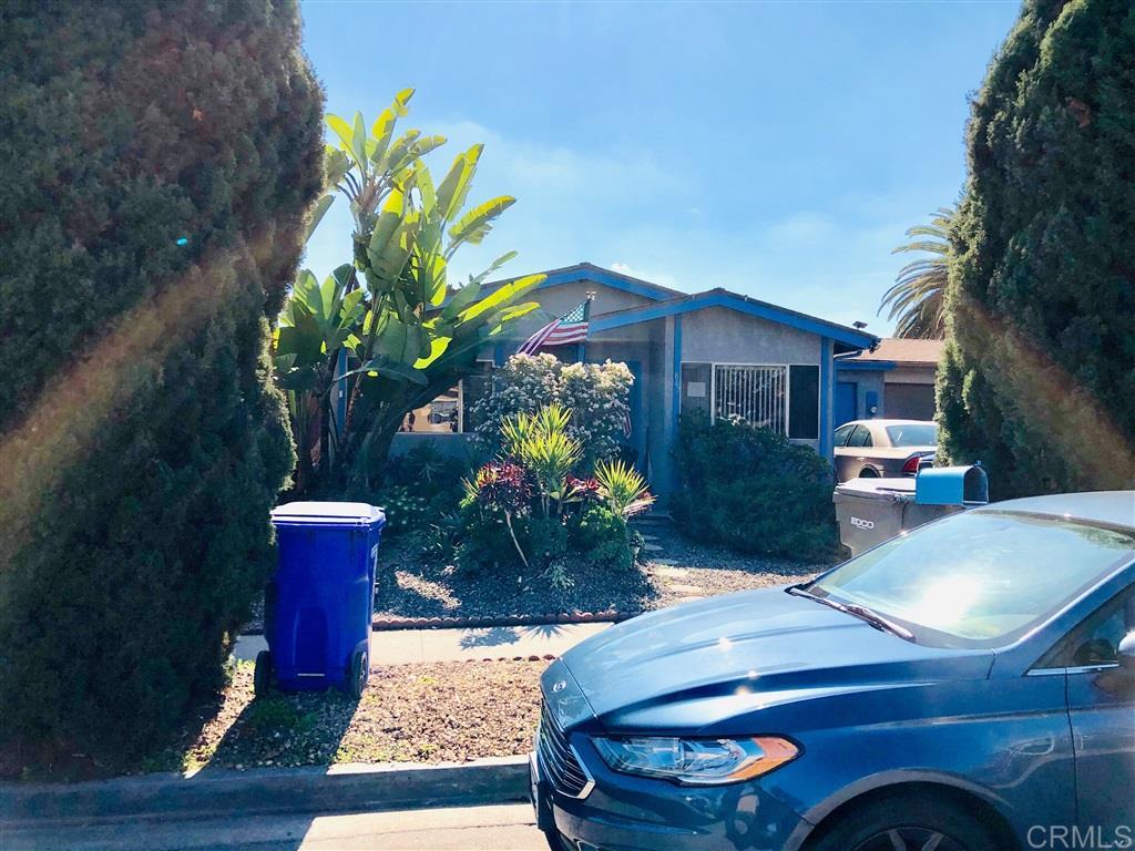 867 Via Felicidad, Vista, CA 92084