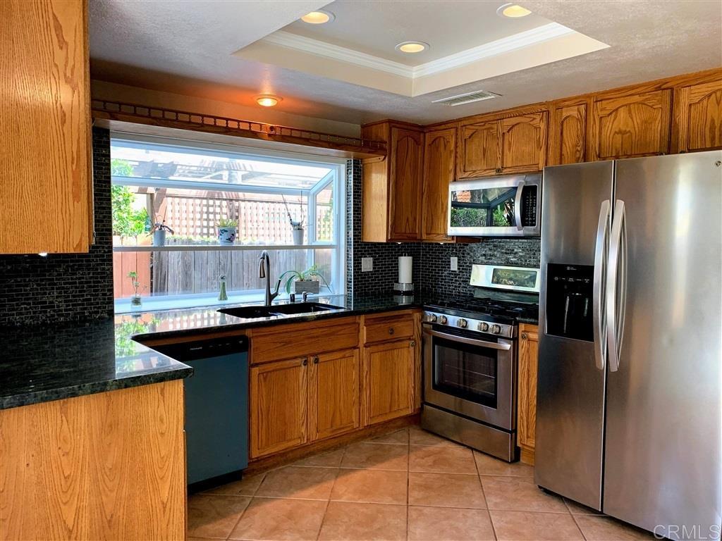 5140 Maplewood Cir, Oceanside, CA 92056