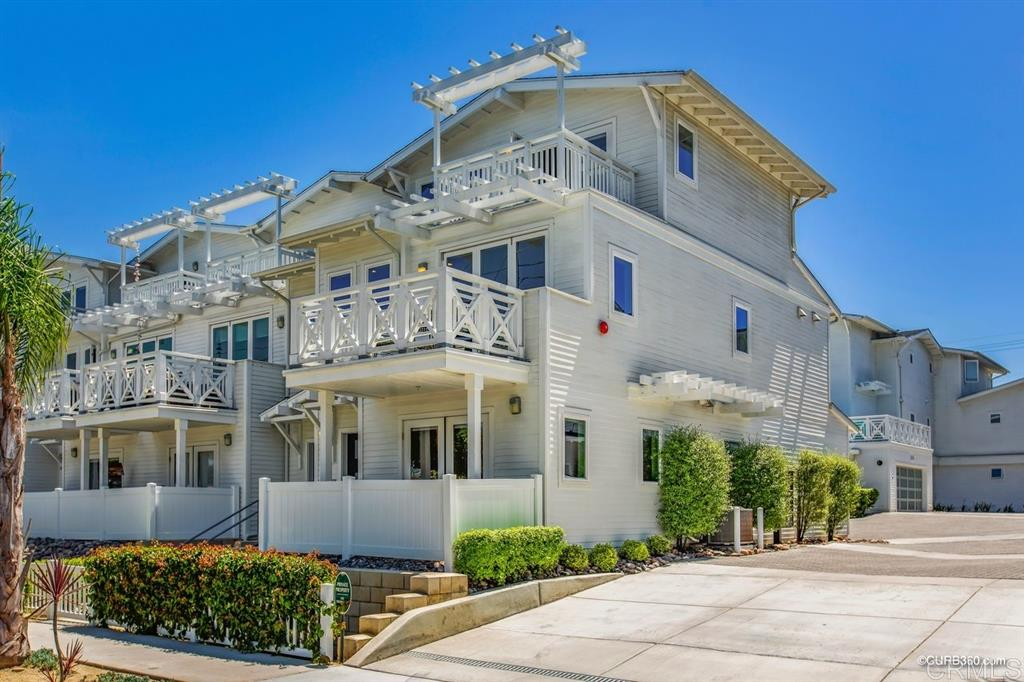 3337 Lincoln St, Carlsbad, CA 92008