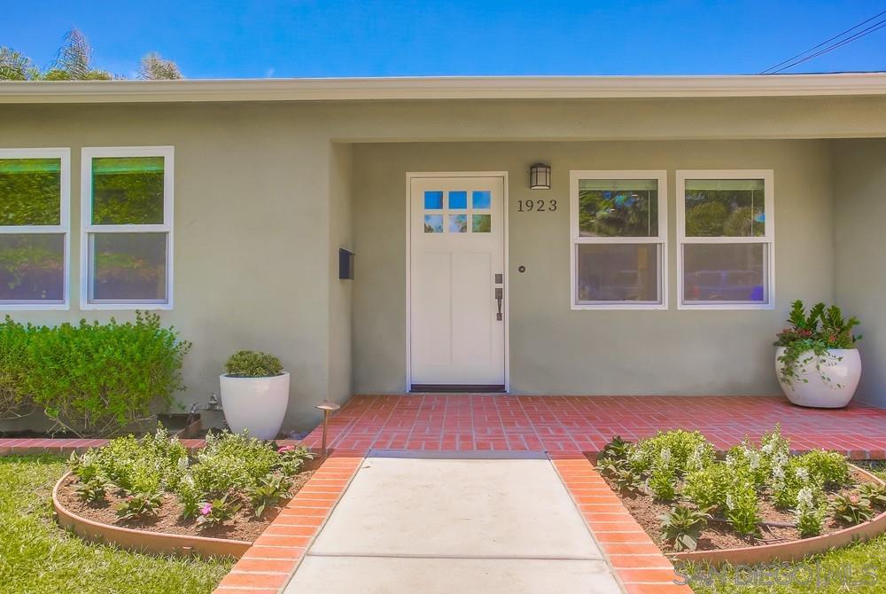 1923-1925 Chalcedony St, San Diego, CA 92109