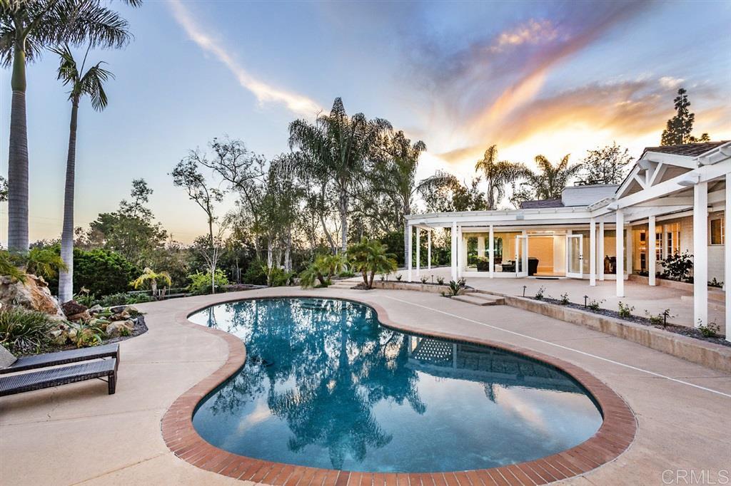 5327 La Glorieta Rancho Santa Fe, CA 92067