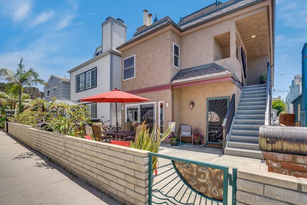 825-827 Brighton Ct, San Diego, CA 92109