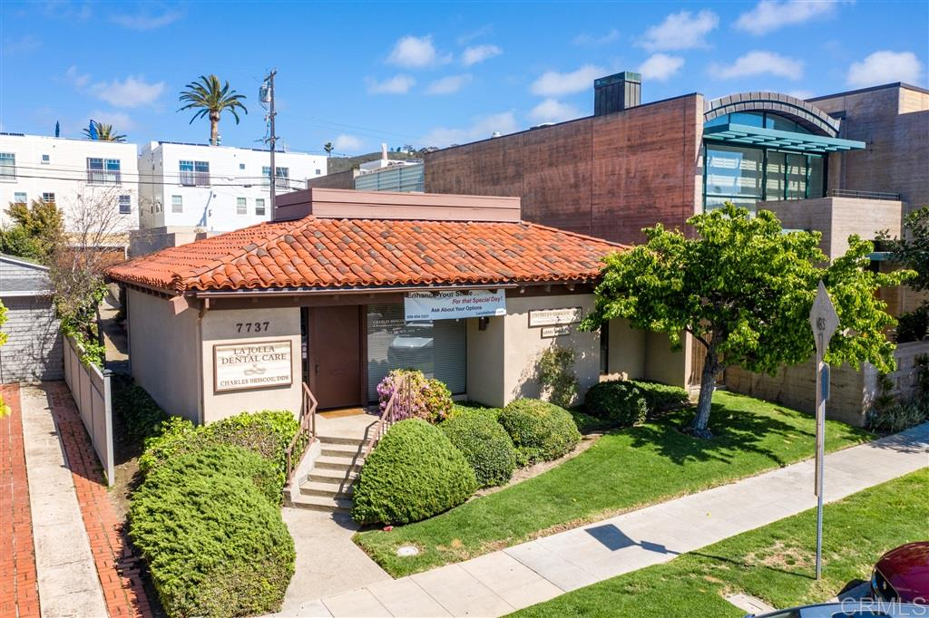 7737 Herschel Ave, La Jolla, CA 92037