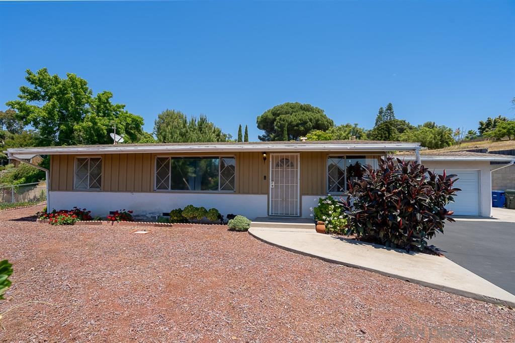 1530 S Santa Fe Ave, Vista, CA 92084
