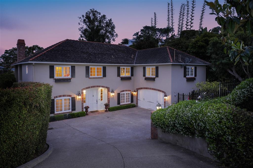 7695 Hillside Dr, La Jolla, CA 92037