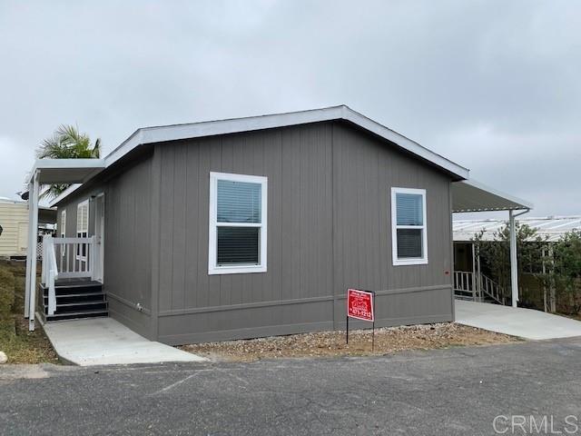 718 Sycamore Ave 105, Vista, CA 92083