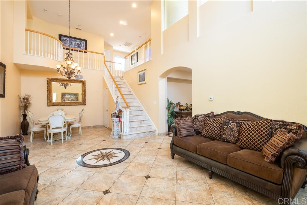 91913 5 Bedroom Home For Sale
