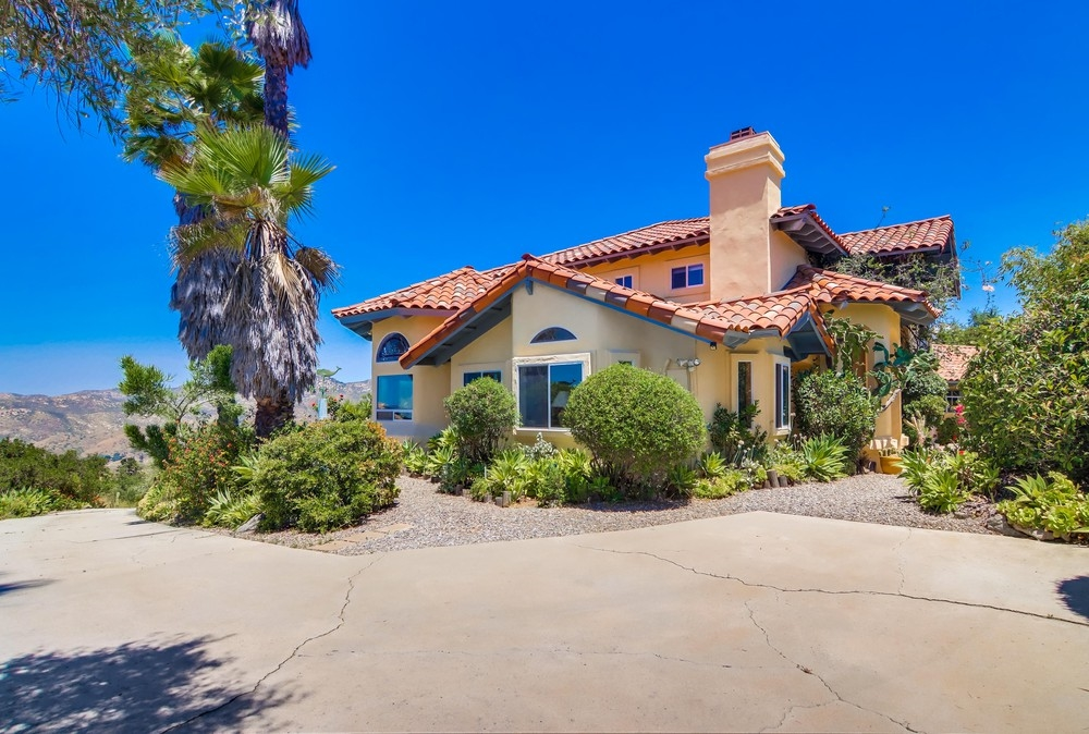 10805 Quail Canyon Road, El Cajon, CA 92021