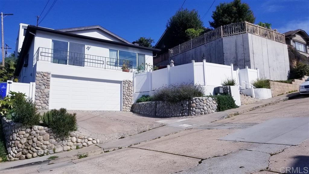 1848 Titus Street San Diego, CA 92110