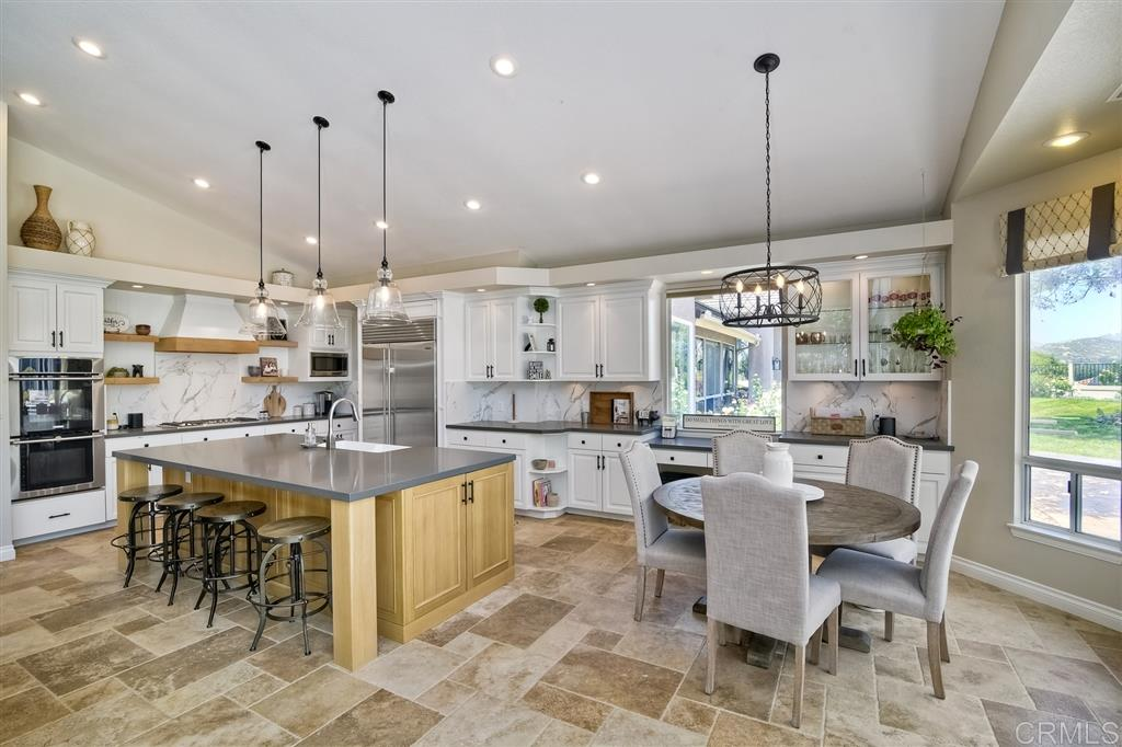 13907 Oakstand Rd, Poway, CA 92064