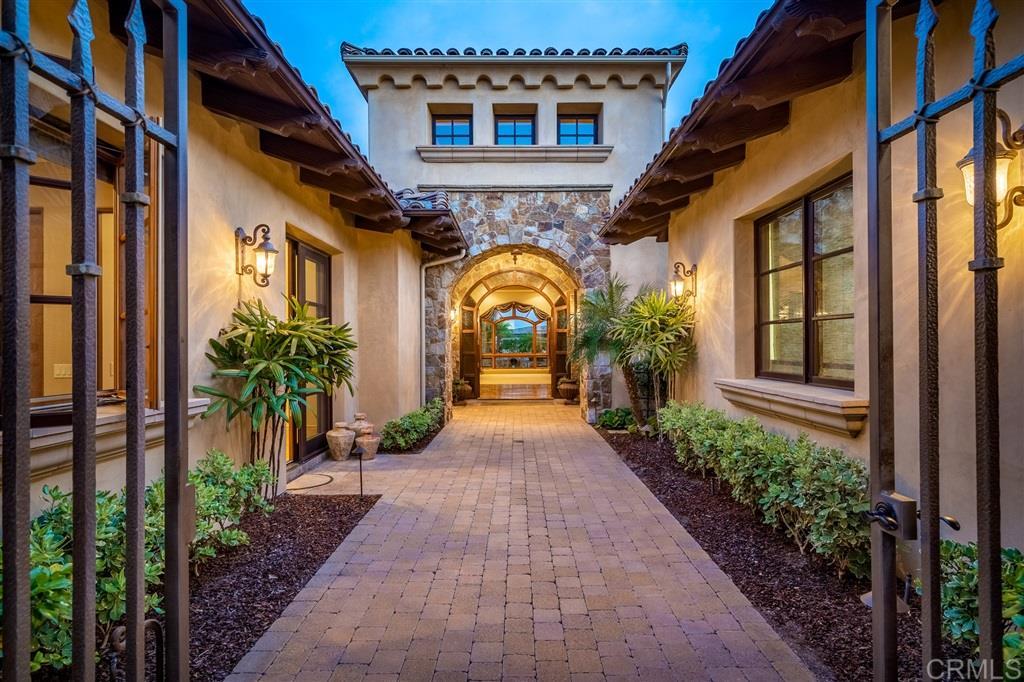 5111 Rancho Madera Bend San Diego, CA 92130