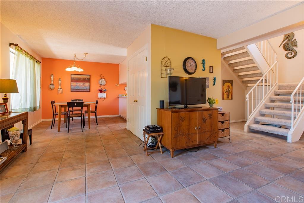 1826 Stonebrook Lane, Encinitas, CA 92024