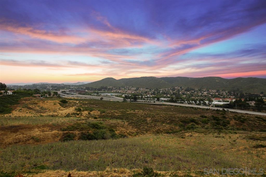 13183 Avenida Grande, San Diego, CA 92129