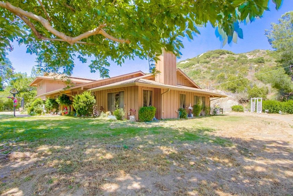 9905 Vista Viejas Rd, Alpine, CA 91901