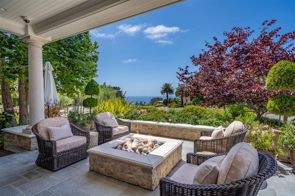 533 Canyon Drive, Solana Beach, CA 92075