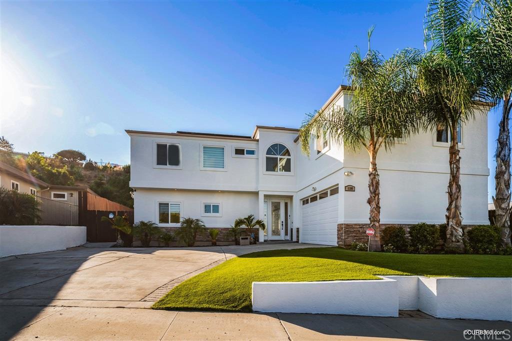 8190 Whitehead Pl, La Mesa, CA 91942