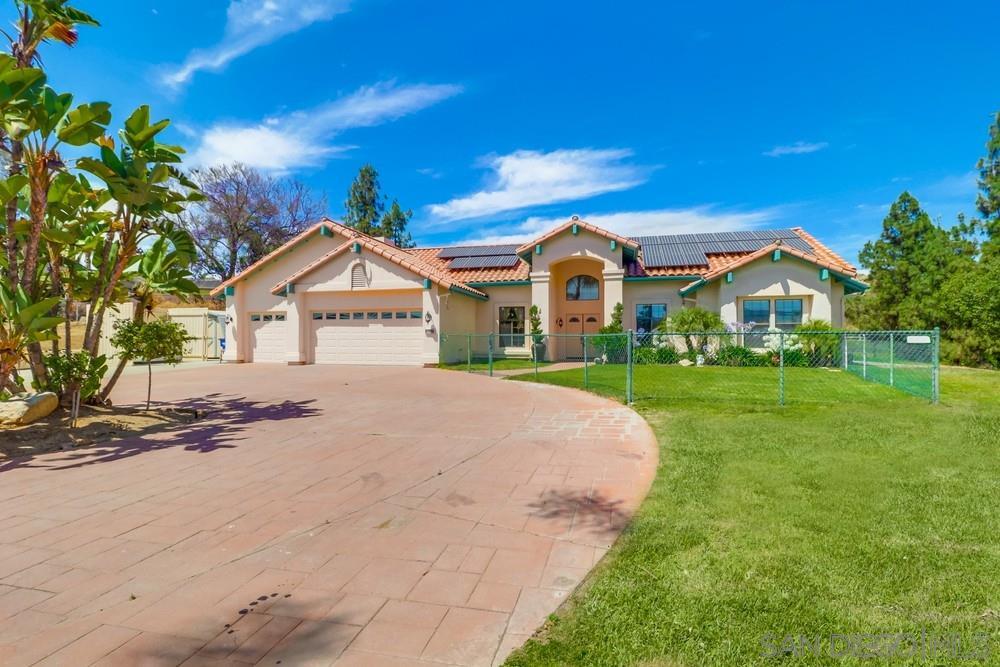 9633 Red Pony Lane, El Cajon, CA 92021