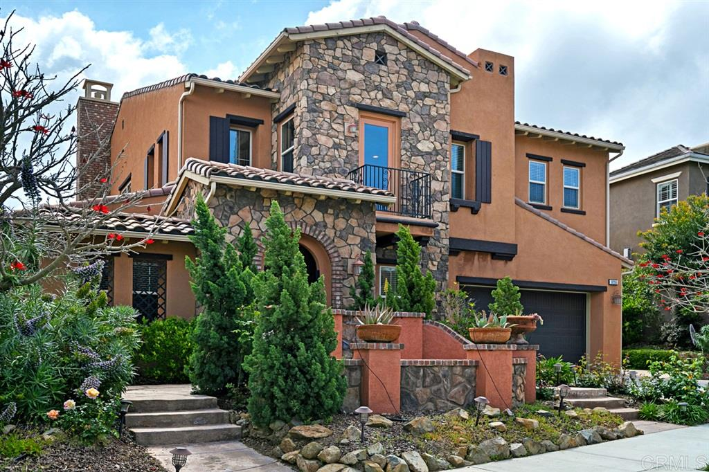 3255 Sitio Tortuga Carlsbad, CA 92009