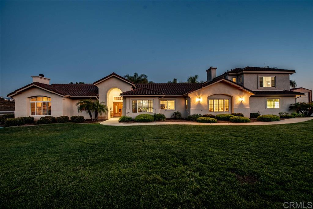 30585 CRESCENT MOON DR, VALLEY CENTER, CA 92082