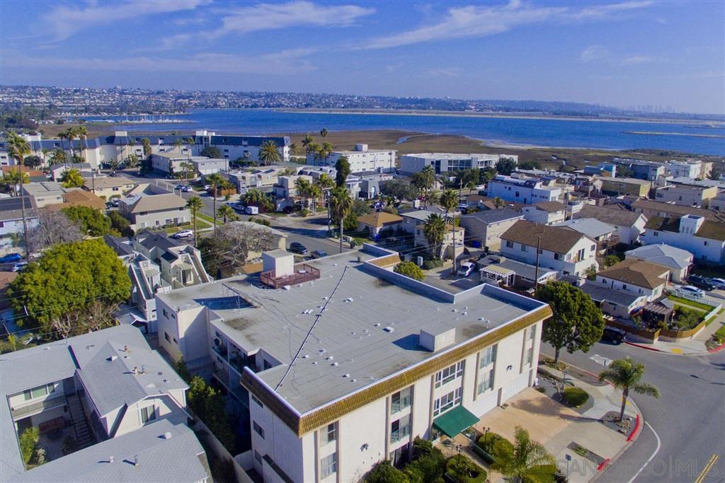 4011 Lamont St 2E, San Diego, CA 92109