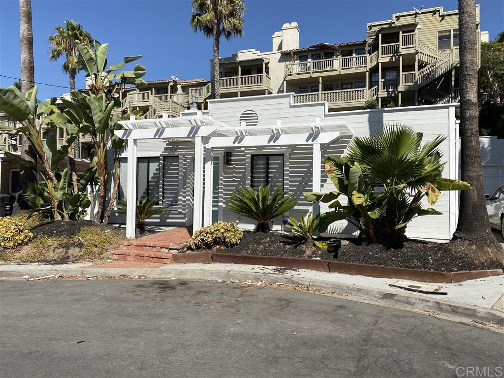 2242 Congress St, San Diego, CA 92110