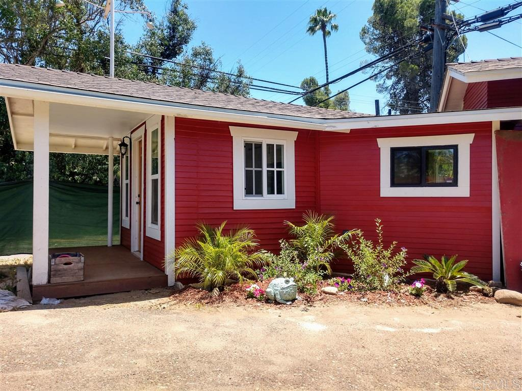 2041-43 Rainbow Valley Blvd, Fallbrook, CA 92028